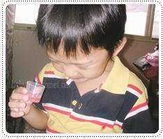 小孩吃藥.jpg
