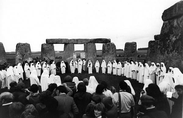 druids-stonehenge.jpg