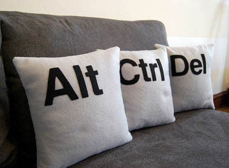 ctrl-alt-del-pillows.jpg