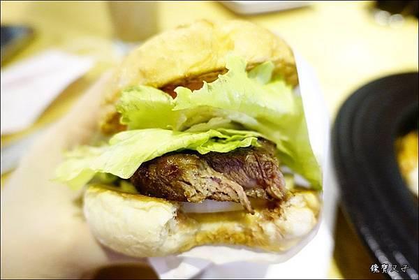 傻子漢堡 (21).JPG