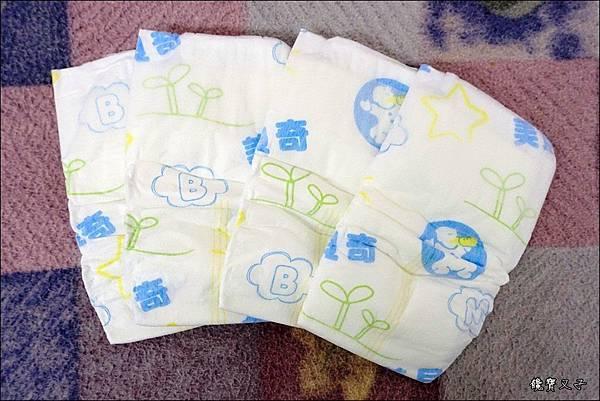 美貝奇紙尿褲 (1).JPG