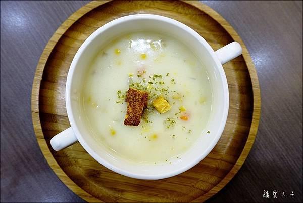 樂樂城堡 媽咪廚房 Mommy%5Cs kitchen (18).JPG