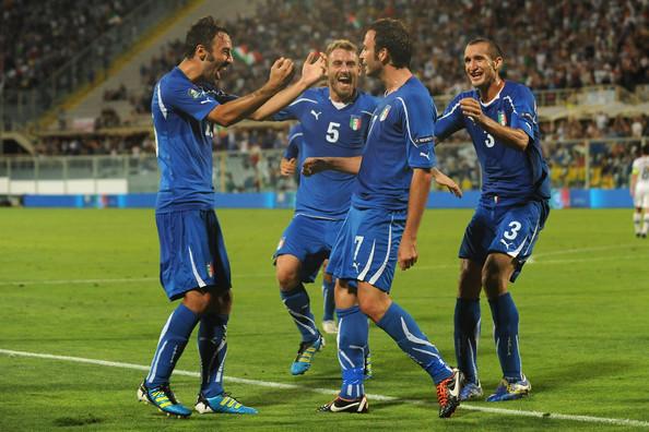 Italy+v+Slovenia+EURO+2012+Qualifier+B6rwsXty5BMl.jpg