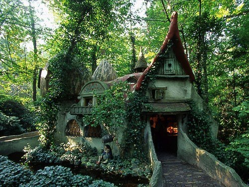 Forest House Efteling Holland.jpg
