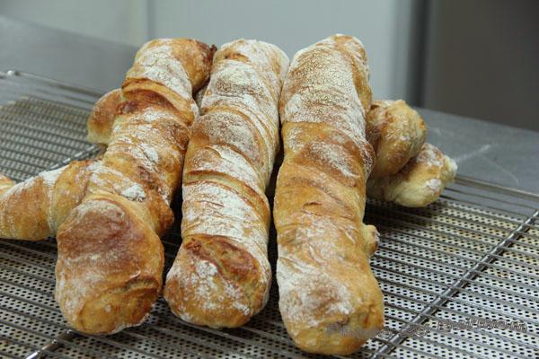 魯斯迪克-藍乳酪核桃麵包-010