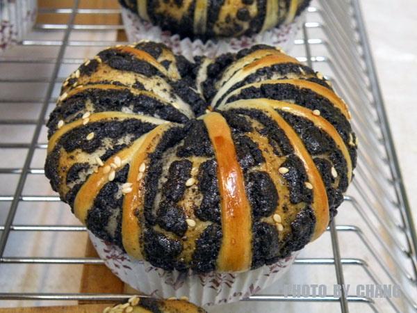 黑芝麻麵包-006.jpg