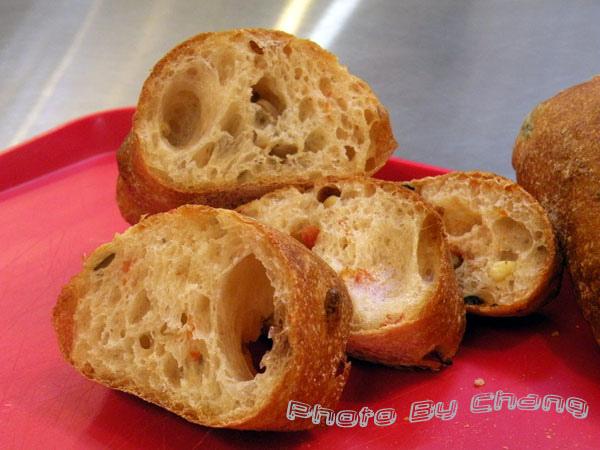 法國麵包-橄欖番茄磨菇-044.jpg