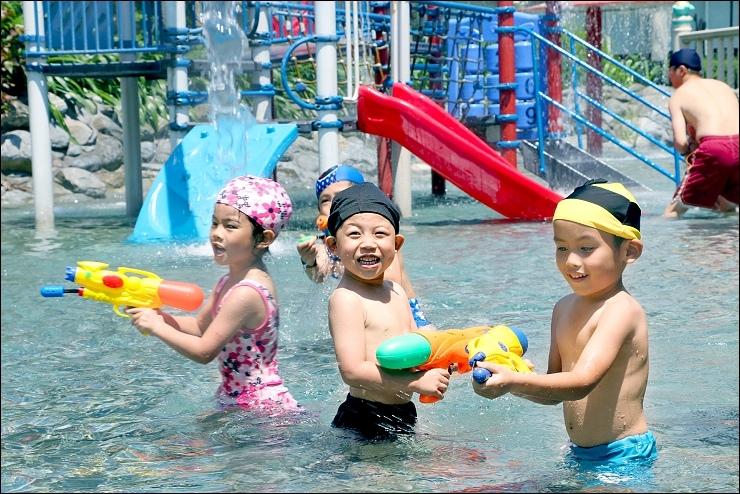 泳池 (1)