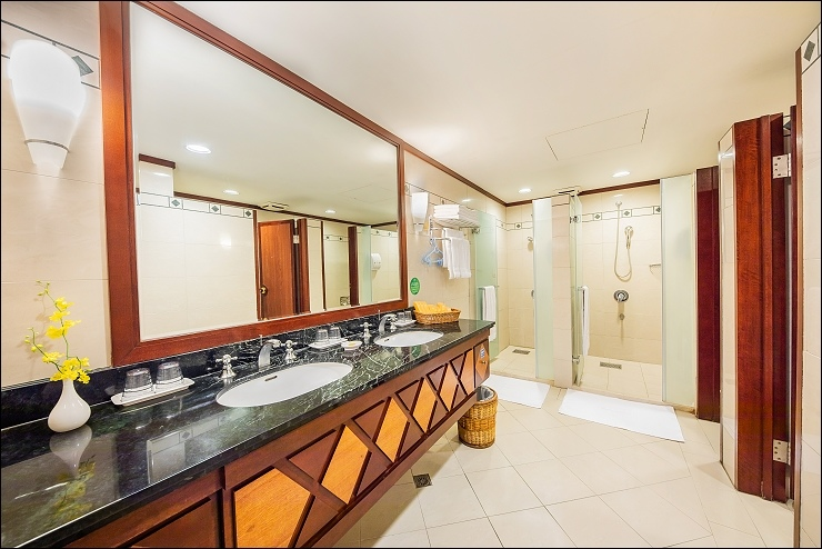 娜路彎大酒店精緻闔家房浴室-naruwan hotel Superior Family Suite bathroom.jpg