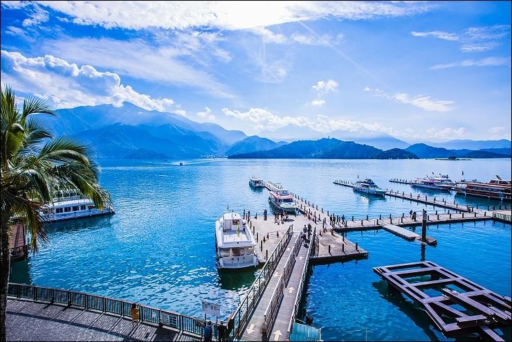 大廳湖景.jpg