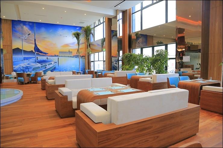 1F 藍洞餐廳 壁畫.jpg