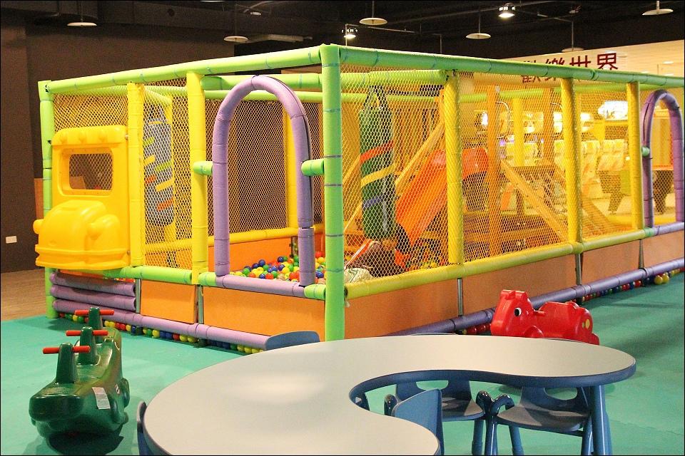 休閒環境兒童遊戲室.jpg