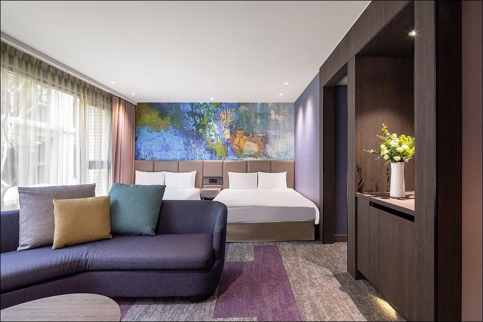 HB-Room-CT-2.jpg