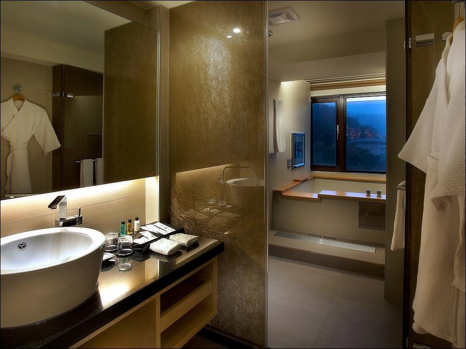 日月潭大飯店-客房-和洋房衛浴.jpg