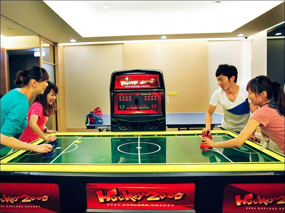 日月潭大飯店-設施-B3休閒中心-冰球機.jpg