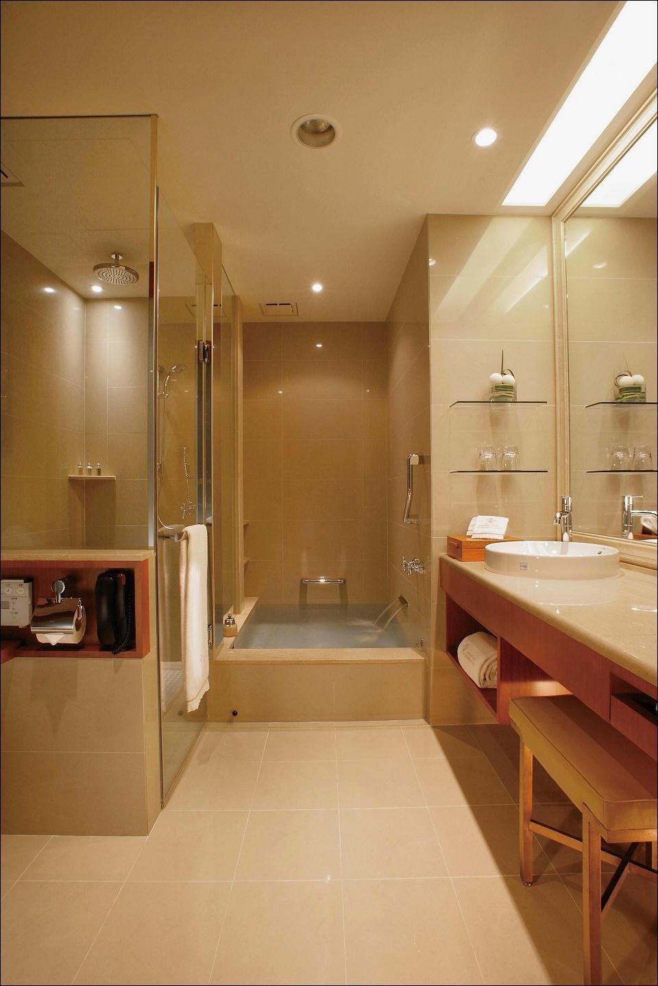 客房浴室2.jpg