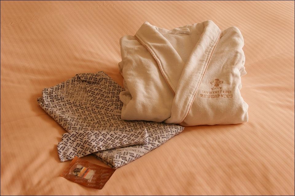 客房浴袍.jpg