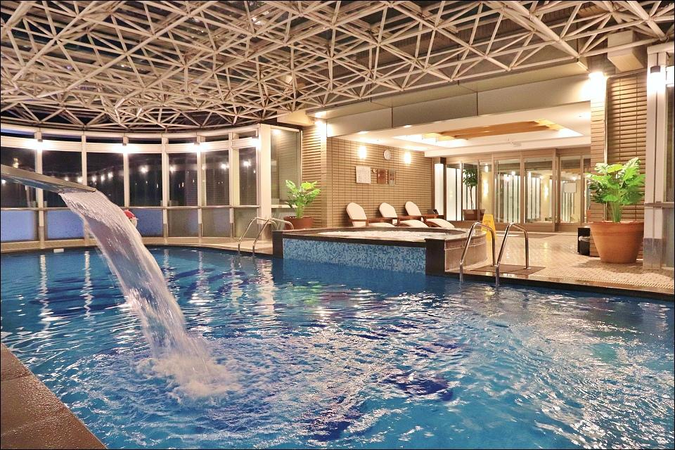 新竹老爺設施-1游泳池.jpg