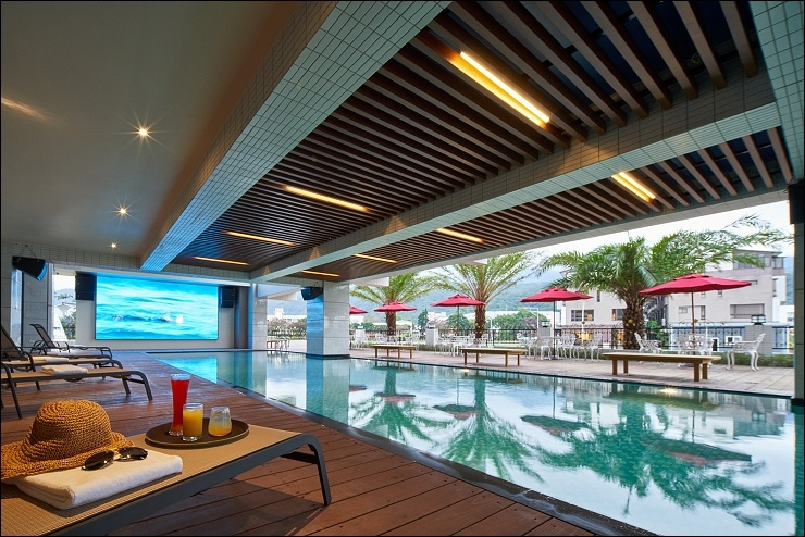 蘭陽-藍天泳池.jpg