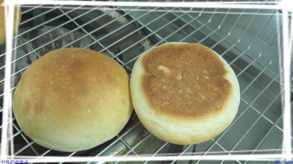 奶酥餡甜麵包.jpg
