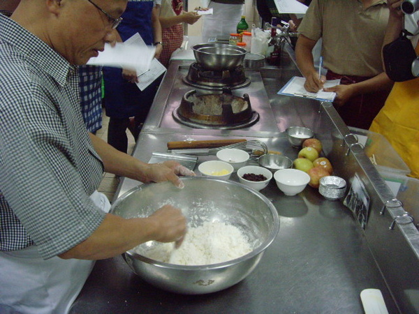 A1.白油+麵粉拌切.JPG