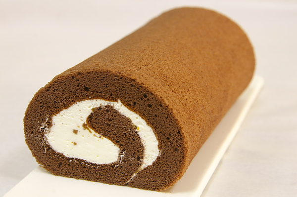 鹽之花巧克力奶油蛋糕捲