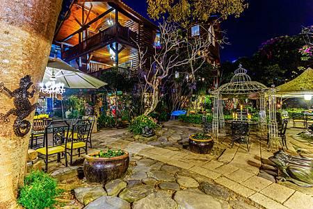 花園夜拍.jpg