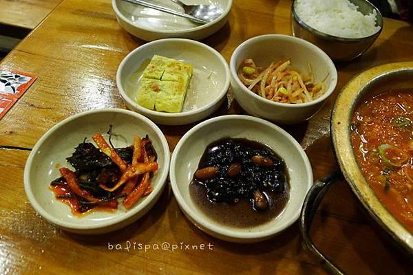 豆腐鍋的小菜