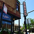 Schlitz tied house
