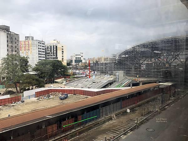 台中火車新站出入口