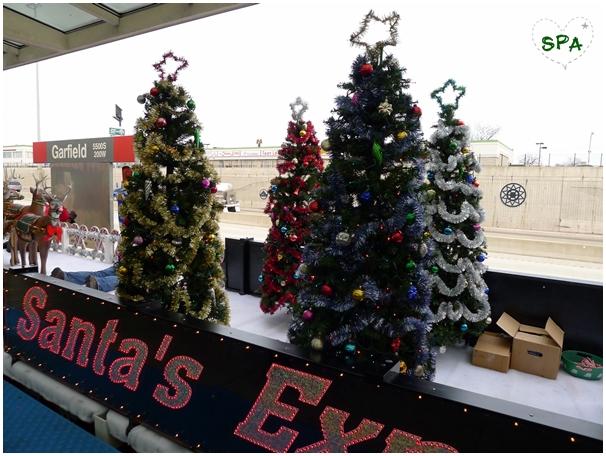 捷運也有聖誕樹