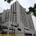 左側為榮總中正樓,有20多層,醫院大樓蓋這麼高,應該不多見吧~