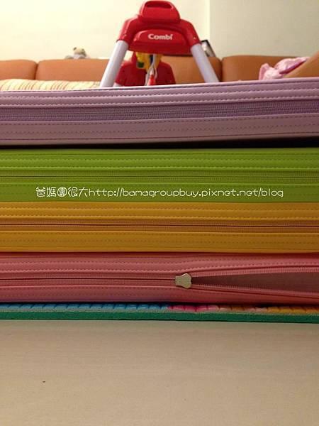 馬卡龍四色摺疊墊與PE1公分摺疊墊厚度比較