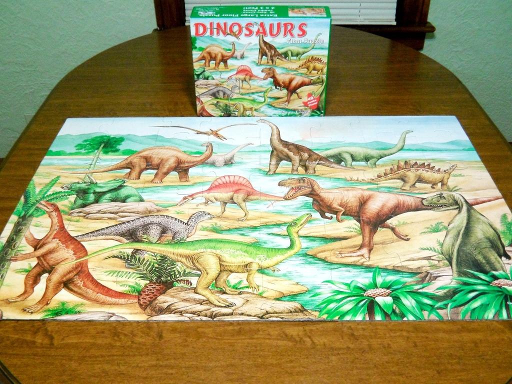 Melissa-Doug-Dinosaurs-Jumbo-Floor-Puzzle-2.jpg