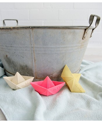 origami-boats-3-colours.jpg