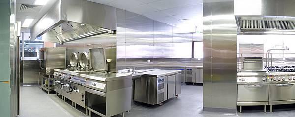 1 kitchen.jpg