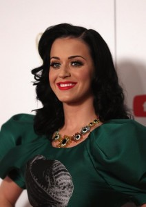 Canturi-Jewellery-Katy-Perry-Necklace-212x300.jpg