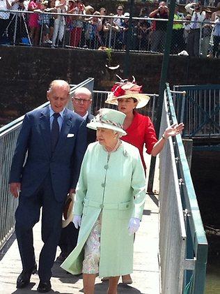 142381-queen-at-hamilton.jpg