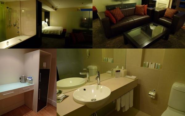 100520 Hilton Cairns2.JPG