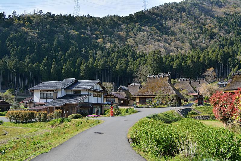 京都合掌村:寧靜的美山茅葺之里 かやぶきの里,自由行交通方式與散步地圖