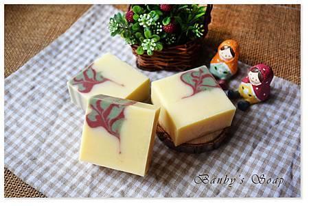 嫩白繡花皂