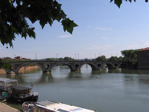 Neuf 橋