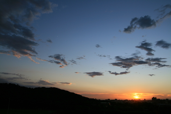 夕照與十八尖山
