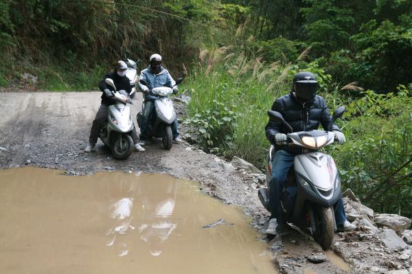 前日的大雨造成的泥濘