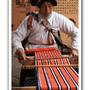 摩梭族人織布