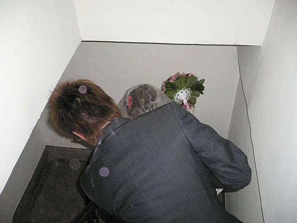 到二樓的洞房