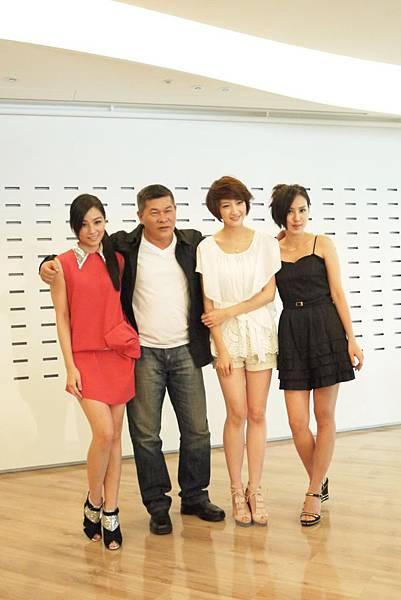陳怡蓉(左起)澎恰恰苑新雨房思瑜.JPG
