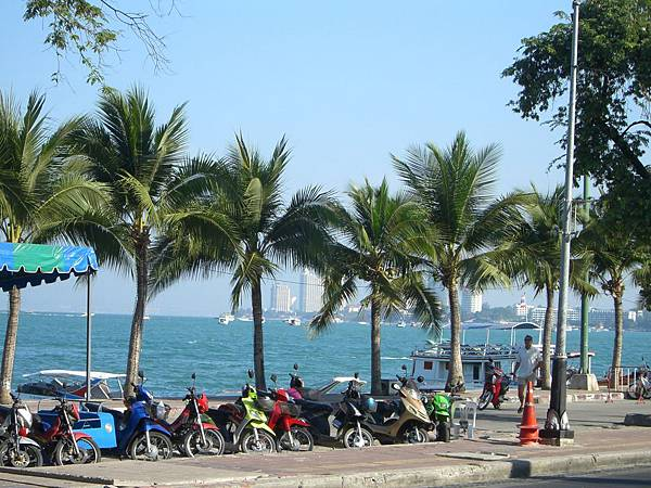 Pattaya_Beach_Road