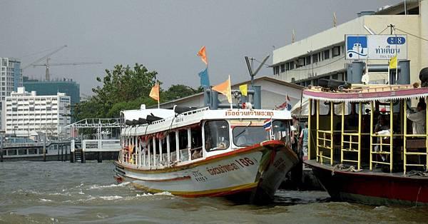 Chao_Praya_river_boat_-_1Bangkok_1