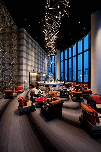 09 Platinum Lounge